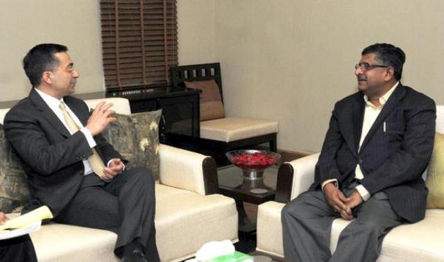 Dell Asia Pacific head Amit Midha with telecom minister Ravi Shankar Prasad