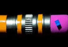 Intel chip for quantum computer