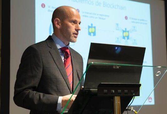 Santander Global CIO David Chaos